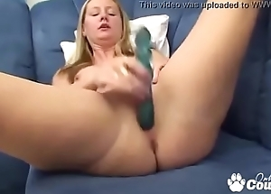 Big Booty Second-rate Makes Herself Squirt