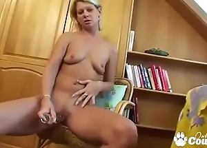 MILF With Saggy Tits Plays With Her Pussy