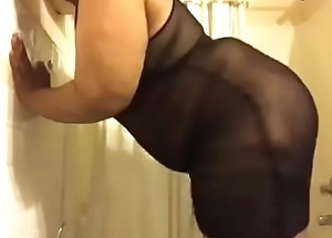 Shemale BBW plays with herself in shower