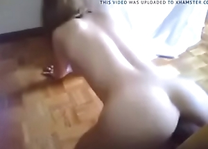 Look ma no fingertips sexy ass female takes dildo to her max